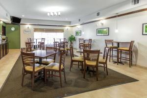 Sleep Inn & Suites Bush Intercontinental - IAH East, Hotel  Humble - big - 37
