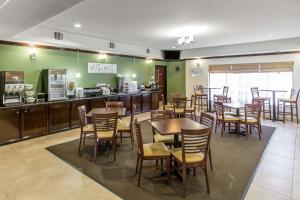 Sleep Inn & Suites Bush Intercontinental - IAH East, Hotels  Humble - big - 11