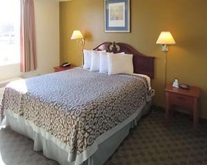 Econo Lodge Inn & Suites Tyler, Hotely  Tyler - big - 12