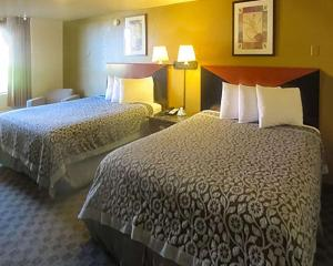 Econo Lodge Inn & Suites Tyler, Hotely  Tyler - big - 10