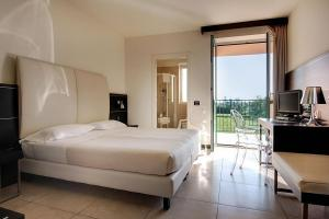 Hotel Fiera Milano, Отели  Ро - big - 1
