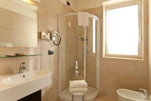 Hotel Fiera Milano, Hotels  Rho - big - 40