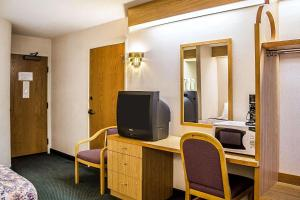 Rodeway Inn Abbotsford, Hotel  Abbotsford - big - 5