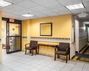 Rodeway Inn & Suites Milwaukee Airport, Отели  Милуоки - big - 10