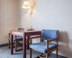 Rodeway Inn & Suites Milwaukee Airport, Отели  Милуоки - big - 17