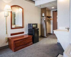 Rodeway Inn & Suites Milwaukee Airport, Отели  Милуоки - big - 25