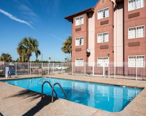 Econo Lodge Inn & Suites Natchitoches, Hotely  Natchitoches - big - 32