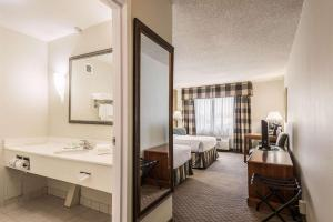 Quality Inn near Finger Lakes and Seneca Falls, Hotely  Waterloo - big - 21