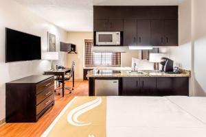Quality Inn & Suites - Myrtle Beach, Hotely  Myrtle Beach - big - 28