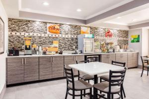 Quality Inn & Suites - Myrtle Beach, Hotely  Myrtle Beach - big - 23