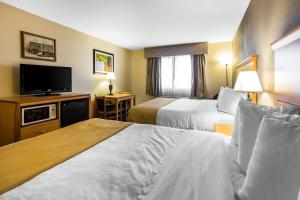 Quality Inn and Suites Summit County, Hotely  Silverthorne - big - 16