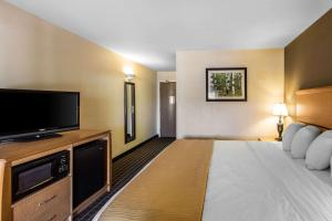 Quality Inn and Suites Summit County, Hotely  Silverthorne - big - 21