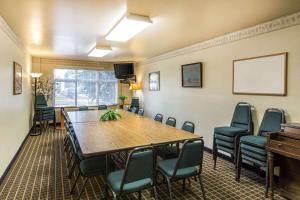 Quality Inn and Suites Summit County, Hotely  Silverthorne - big - 25