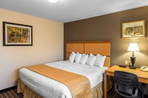 Quality Inn and Suites Summit County, Hotely  Silverthorne - big - 27