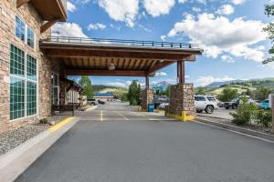 Quality Inn and Suites Summit County, Hotely  Silverthorne - big - 29
