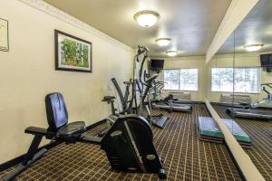 Quality Inn and Suites Summit County, Hotely  Silverthorne - big - 30