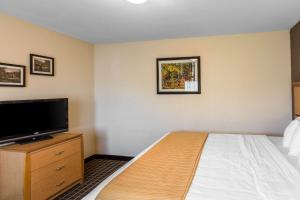 Quality Inn and Suites Summit County, Hotely  Silverthorne - big - 41