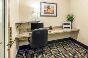 Quality Inn and Suites Summit County, Hotely  Silverthorne - big - 45