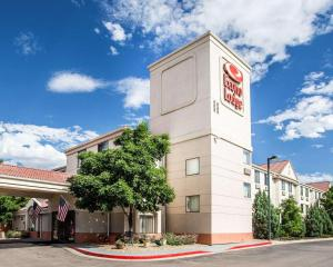 Econo Lodge Denver International Airport