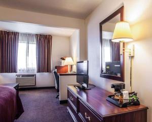Quality Inn & Suites Eldridge Davenport North, Hotely  Eldridge - big - 23