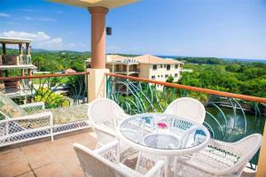 Clarion Suites Roatan at Pineapple Villas, Hotely  First Bight - big - 21