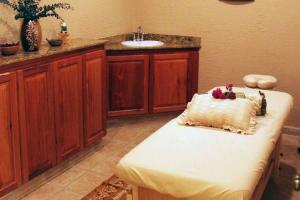 Clarion Suites Roatan at Pineapple Villas, Hotely  First Bight - big - 22
