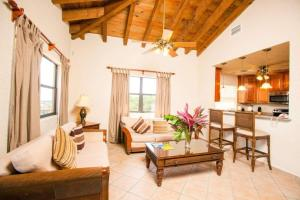Clarion Suites Roatan at Pineapple Villas, Hotely  First Bight - big - 15