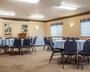 Quality Inn & Suites Eldridge Davenport North, Отели  Eldridge - big - 19