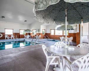 Quality Inn & Suites Eldridge Davenport North, Отели  Eldridge - big - 16