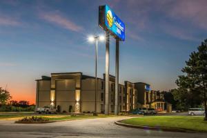 Comfort Inn Metro Airport Romulus - Hotel