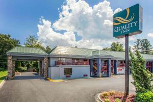 Quality Inn - Hotel - Black Mountain