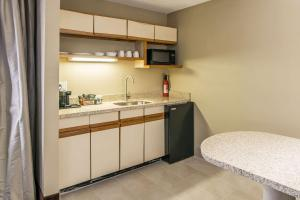 Quality Inn & Suites Near White Sands National Monument, Отели  Аламогордо - big - 20