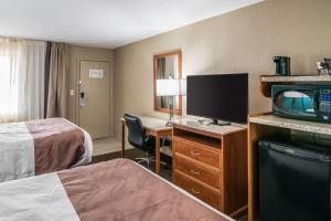 Quality Inn & Suites Near White Sands National Monument, Отели  Аламогордо - big - 21