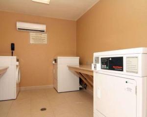 Suburban Extended Stay Hotel Alamogordo, Hotely  Alamogordo - big - 25