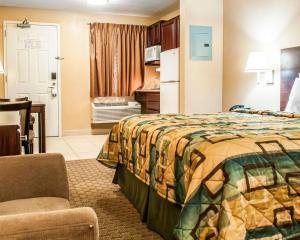 Suburban Extended Stay Hotel Alamogordo, Hotely  Alamogordo - big - 32