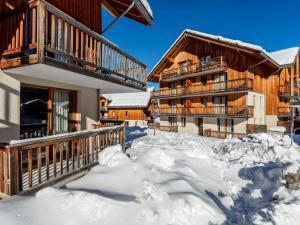 Location gîte, chambres d'hotes Mona Lisa Les Chalets du Bois Méan dans le département Hautes alpes 5