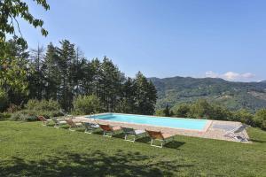 Castagnori Villa Sleeps 8 Pool WiFi - AbcAlberghi.com