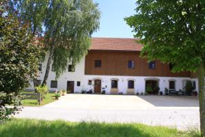 Pension Bernhardhof - Linden