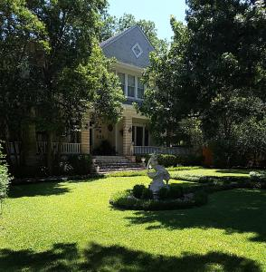Strickland Arms Bed and Breakfast - Accommodation - Austin