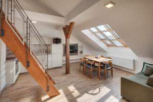 Louren Apartments - Pelc Tyrolca