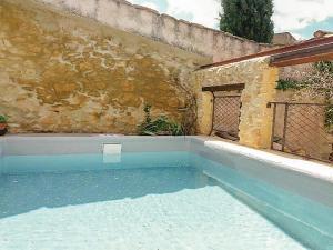 Three-Bedroom Holiday Home in Saint-Victor-la-Coste - Gaujac
