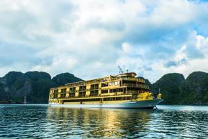 Golden Cruise