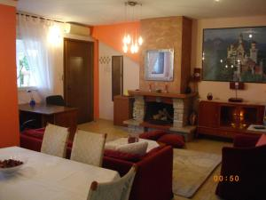 Thessaloniki homesweethome with Fireplace,BBQ,Parking & Garden