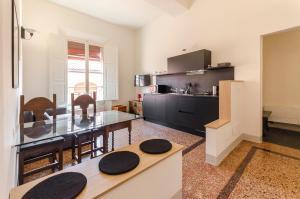 Bocchi Elegant Apartment - AbcAlberghi.com