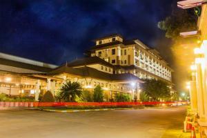 Royal Nakhara Hotel and Convention Centre - Ban Bok Wan