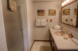 Gambrel Home, Holiday homes  South Lake Tahoe - big - 24