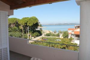 Apartment in Ždrelac with sea view, terrace, air conditioning, Wi-Fi (4560-4)
