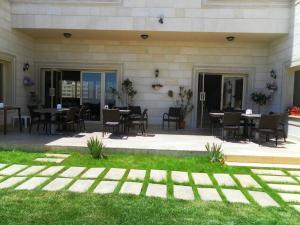 Beit El Kroum Boutique Hotel