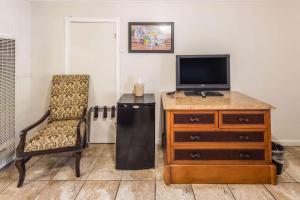 Econo Lodge Inn & Suites, Hotely  South Lake Tahoe - big - 14