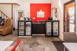 Econo Lodge Inn & Suites, Hotely  South Lake Tahoe - big - 25